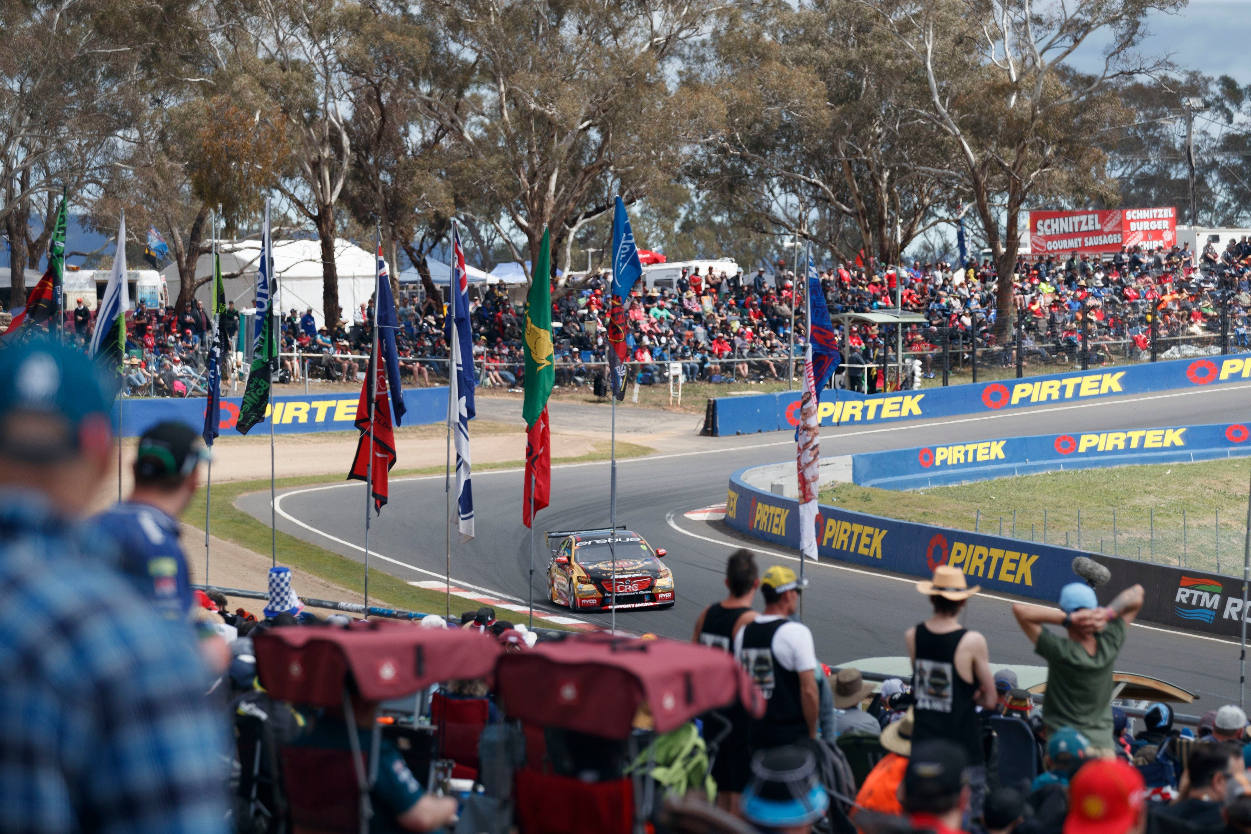 Supercars Supercheap Auto Bathurst 1000 - Restaurants Sydney