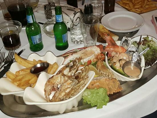 Ashmore Seafood and Steakhouse - Restaurants Sydney